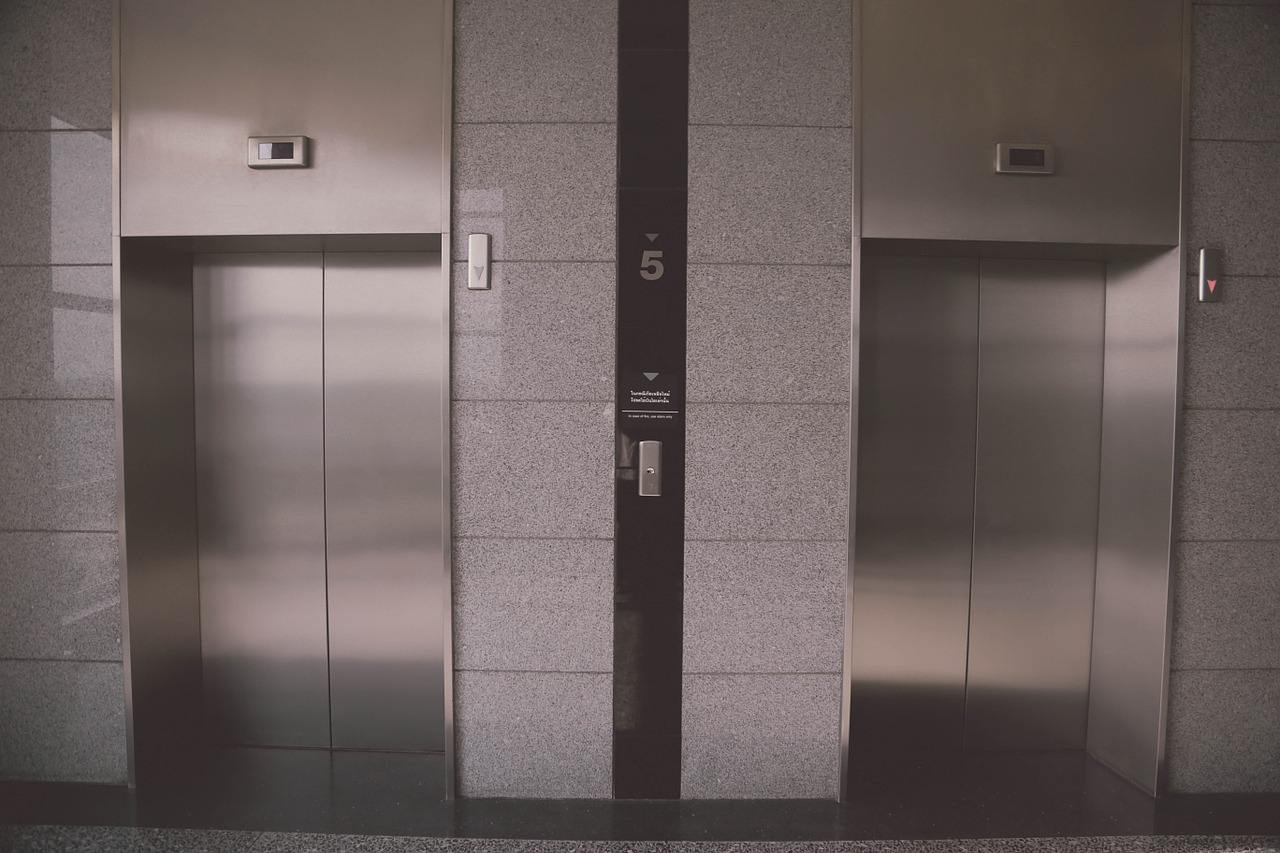 L'ascensore: da curiosità a strumento essenziale