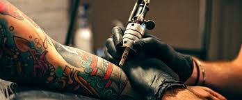 La moda del tatuaggio nella cultura italiana